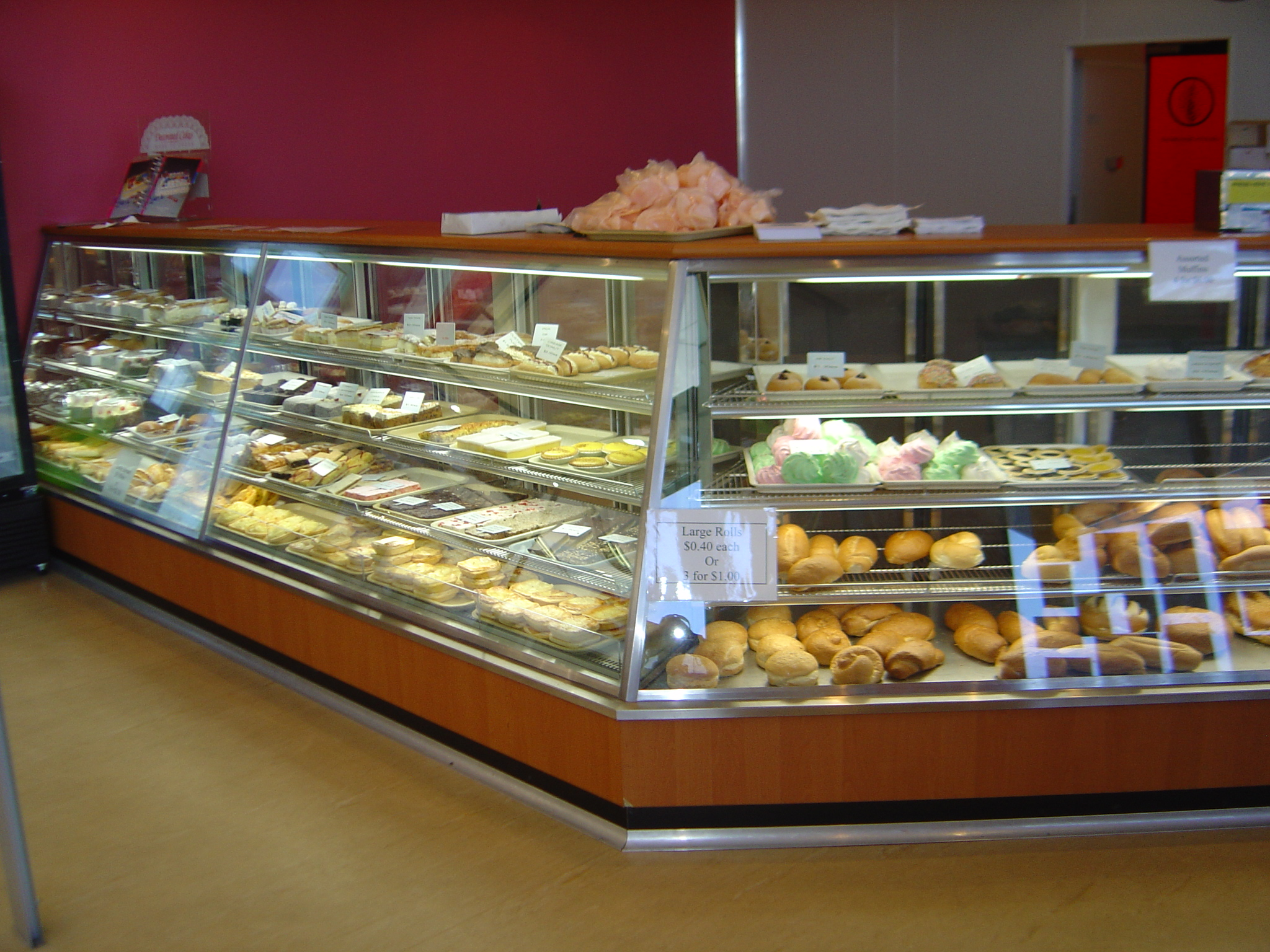 Custom Bakery Displays